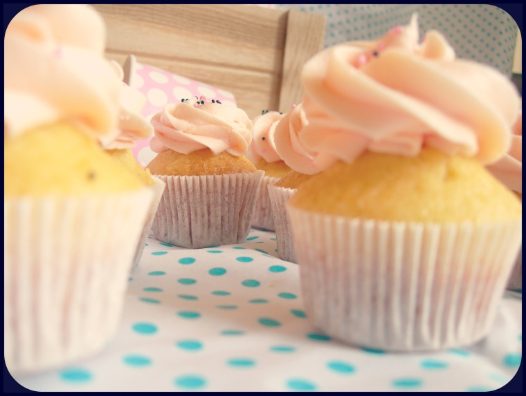 Minnie Cupcakes web